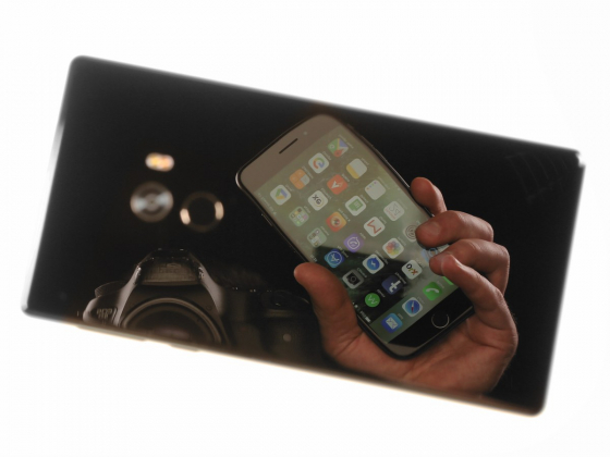 Обзор Xiaomi Mi Mix - глянцевый корпус