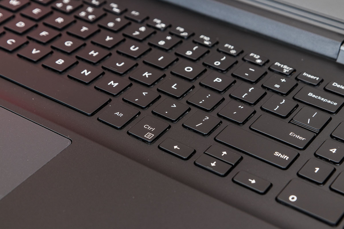 Обзор игрового ноутбука Dell Inspiron 7567 - клавиатура