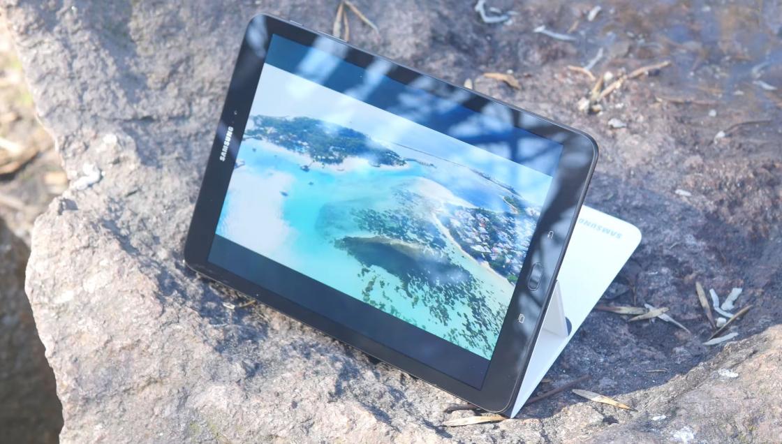 Обзор Samsung Galaxy Tab S3 - обложка в режиме просмотра видео