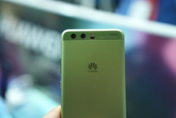 Huawei P10 в ярко-зеленом цвете