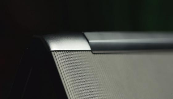 Обзор ноутбука Acer Swift 5 - угол крепления крышки