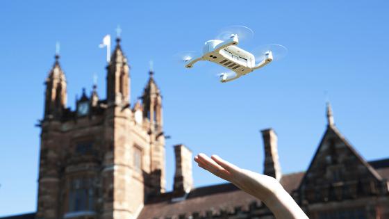 Обзор мини-дрона Zerotech Dobby - селфи по-новому