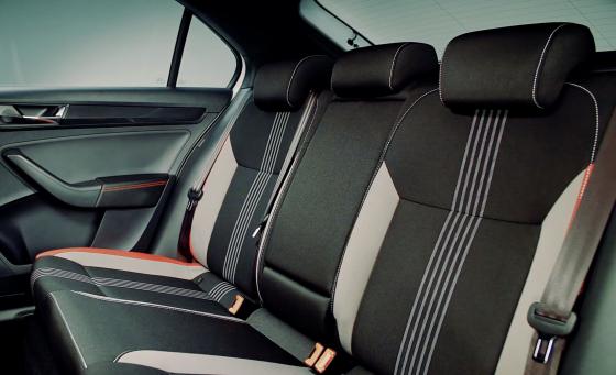 Обзор Skoda Rapid - задние сидения