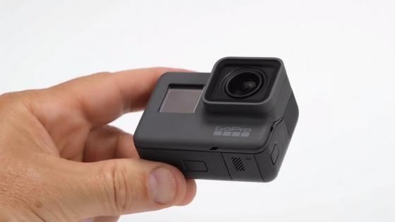 Обзор GoPro HERO 5 - в руке, вид спереди