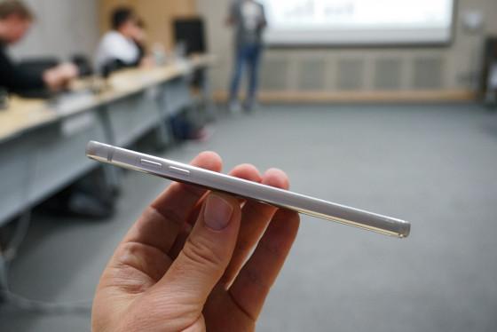 LG G6 - Качель регулировки громкости