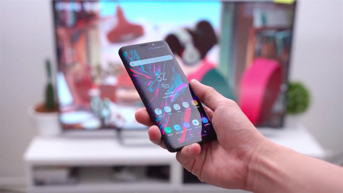 Обзор Samsung Galaxy S9 - удобно держать в руке