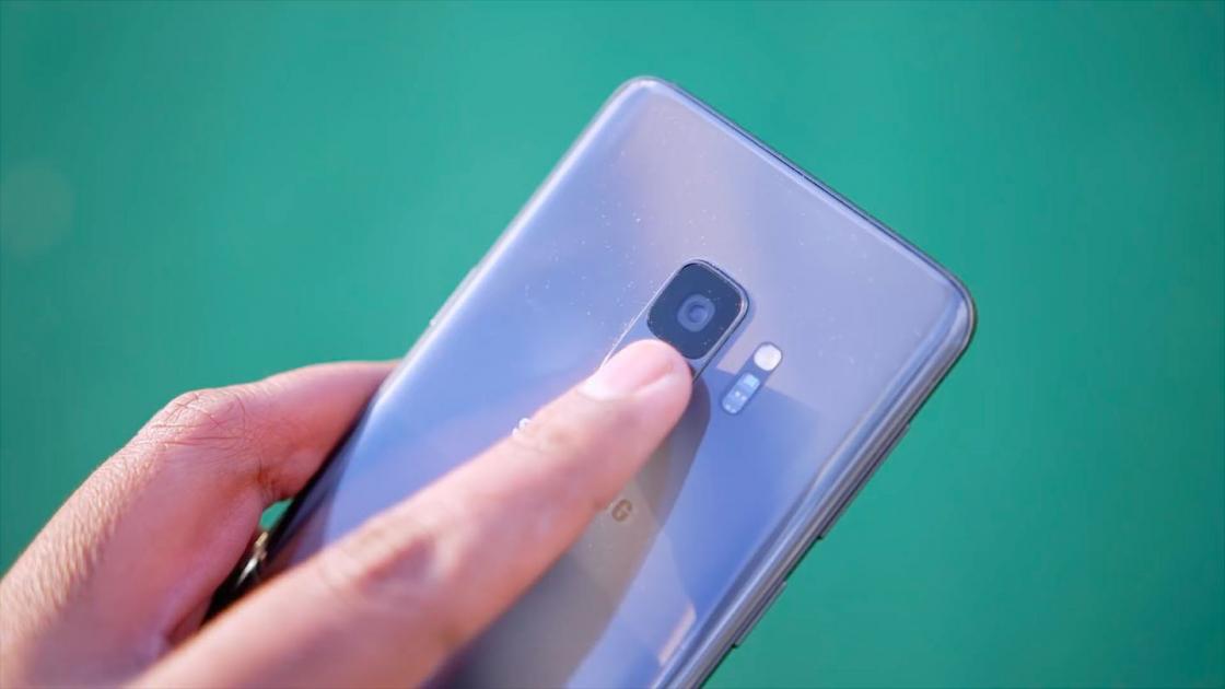 Обзор Samsung Galaxy S9 - сканер отпечатка пальца