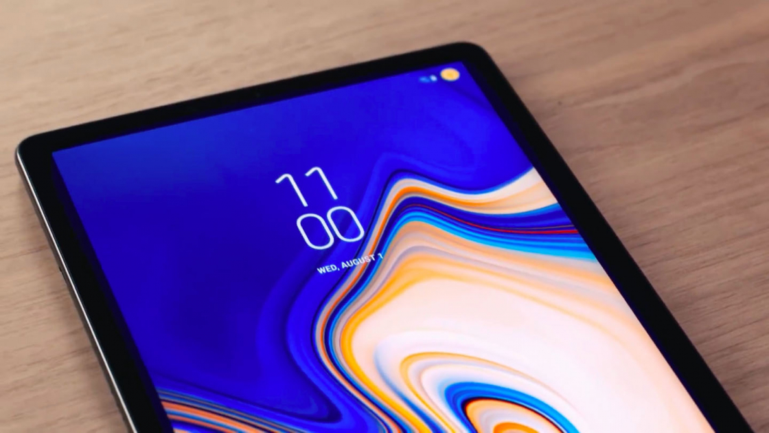Samsung Galaxy Tab S4 - экран AMOLED