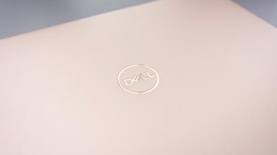 Дизайн Dell XPS 13 9370 (2018) верхняя крышка