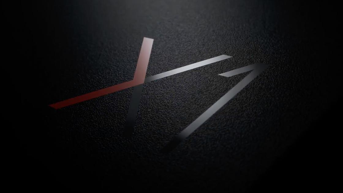 Обзор ноутбука Lenovo ThinkPad X1 Carbon (2018) - логотип X1