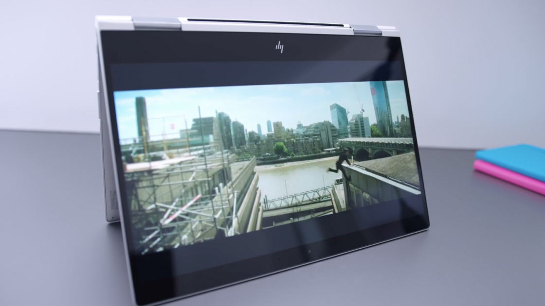 HP Spectre x360 13-дюймов в режиме палатки