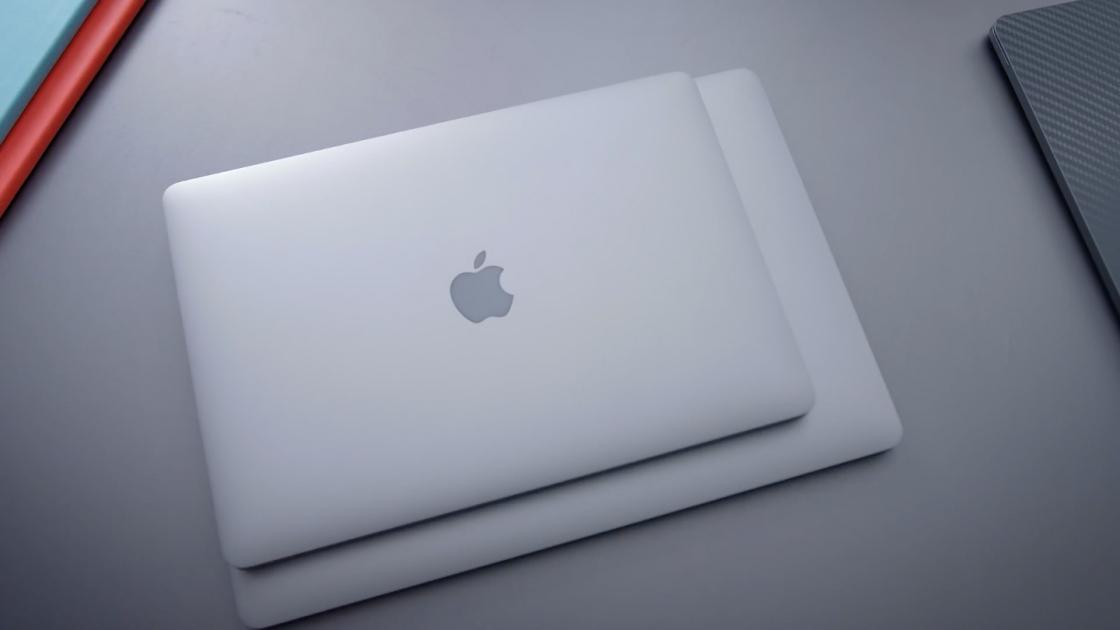 Apple MacBook Pro 13-дюймов с Touch Bar (2018)