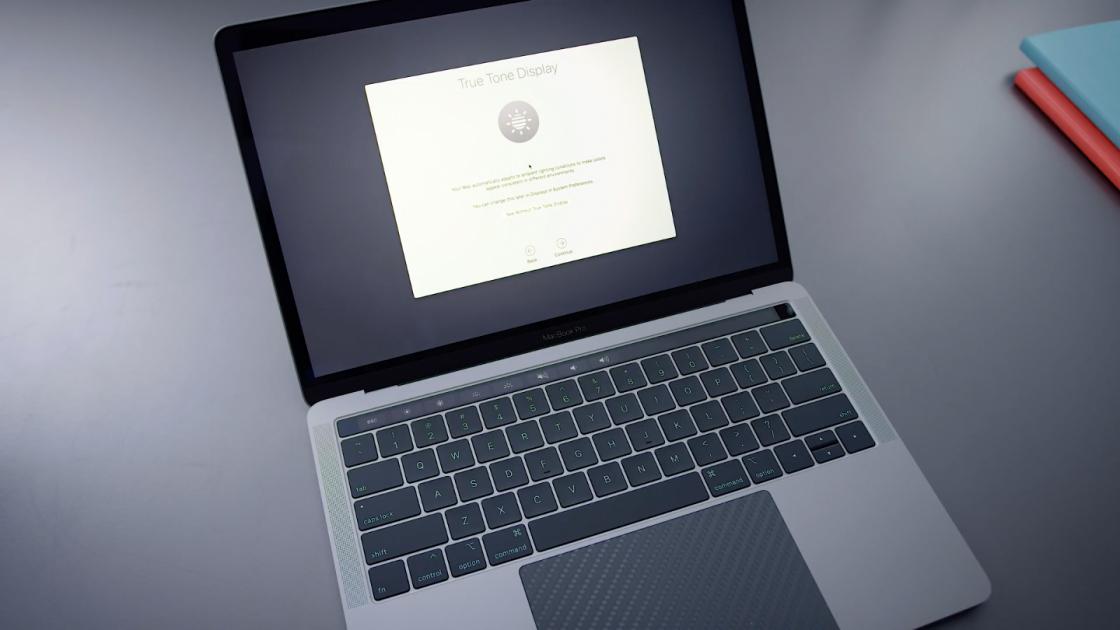 Дисплей TrueTone MacBook Pro 13