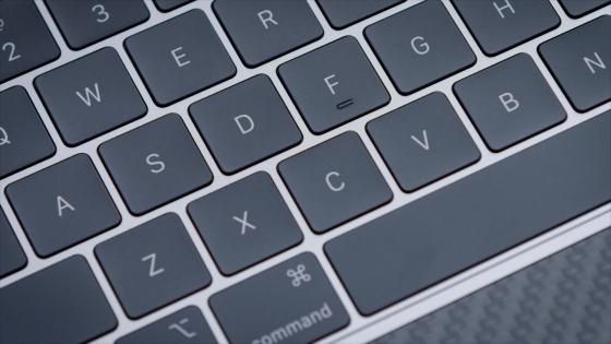 Кнопки клавиатуры MacBook Pro 13