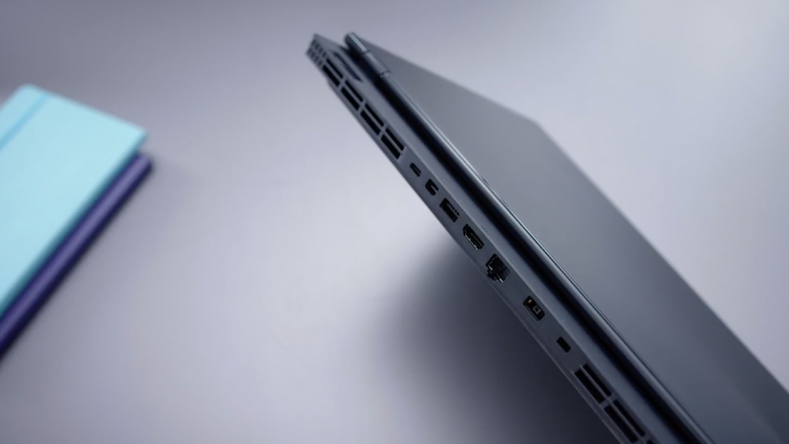 Разъемы на задней части ноутбука Legion Y530
