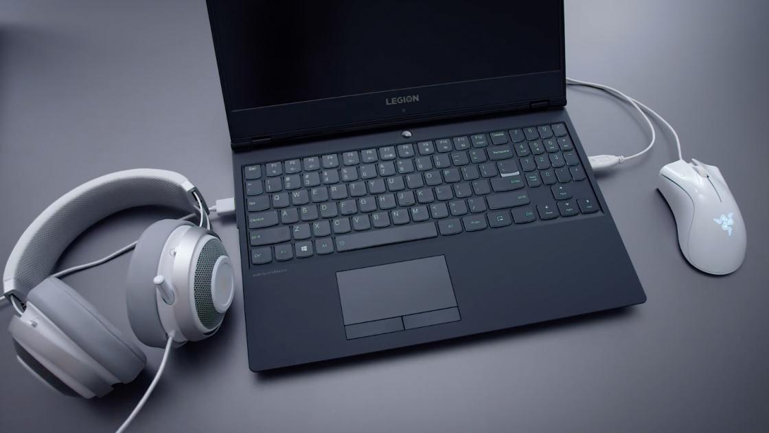 Внешний вид Lenovo Y530