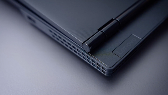 Экранный шарнир у Lenovo Legion Y530
