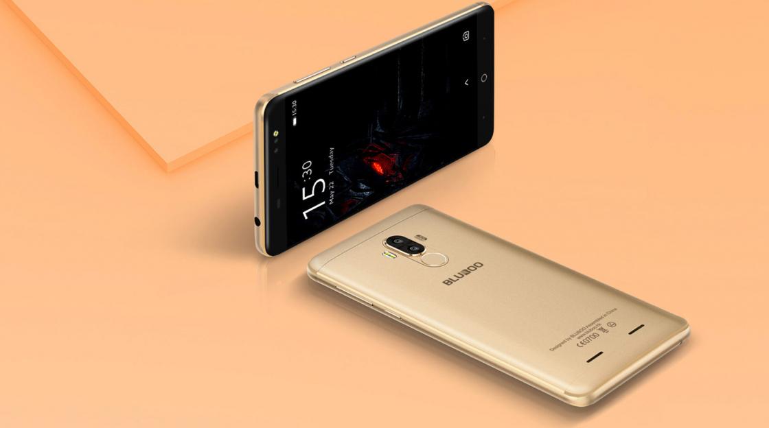 Обзор смартфона Bluboo D1 - золотистого цвета