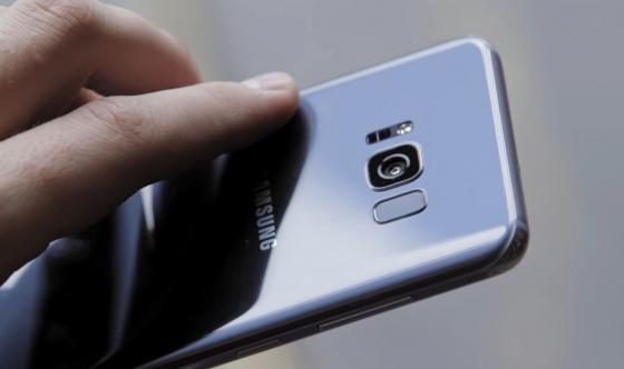 Обзор Samsung Galaxy S8 - сканер отпечатка пальца