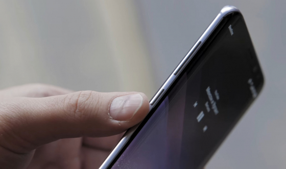 Обзор Samsung Galaxy S8 - вид слева