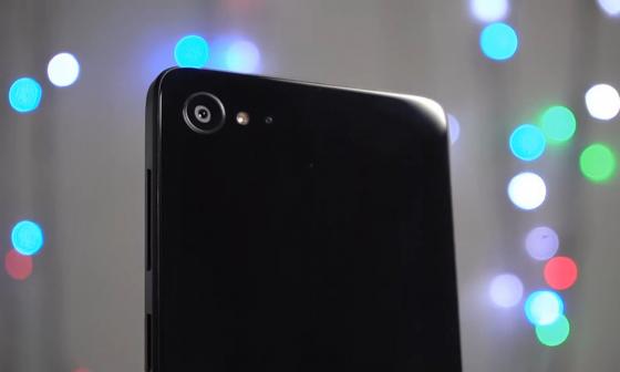 Обзор ZUK Z2 - вид сзади на камеру