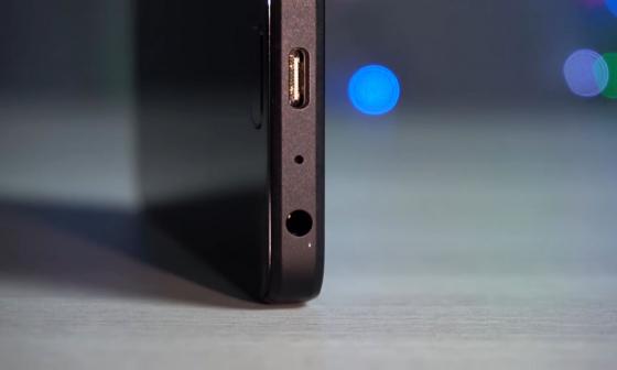 Обзор ZUK Z2 - вид на мини-джек