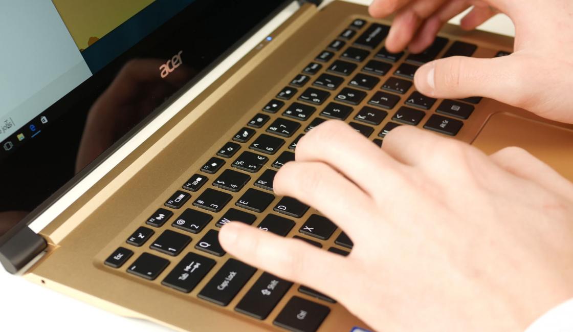ОбзорAcer Swift 7 - клавиатура