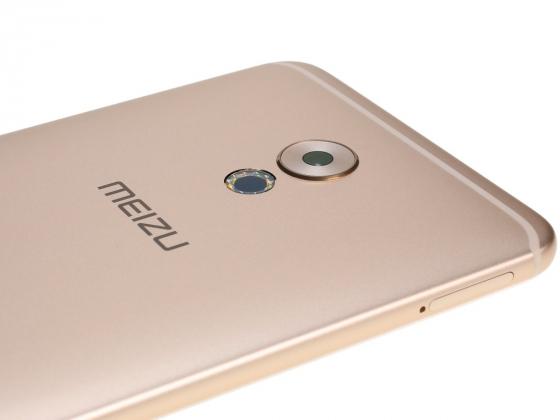 Обзор Meizu Pro 6 Plus - вид сзади под углом