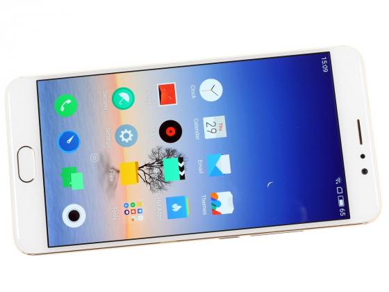 Обзор Meizu Pro 6 Plus - включенный экран