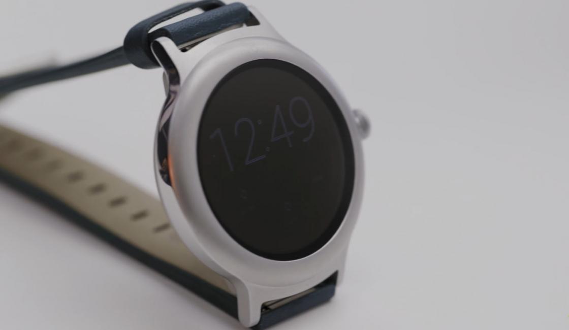 LG Watch Style - компактные часы