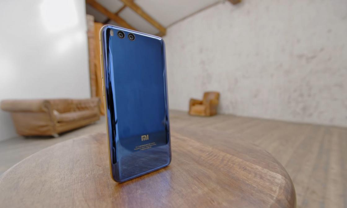 Обзор Xiaomi Mi 6 - вид сзади
