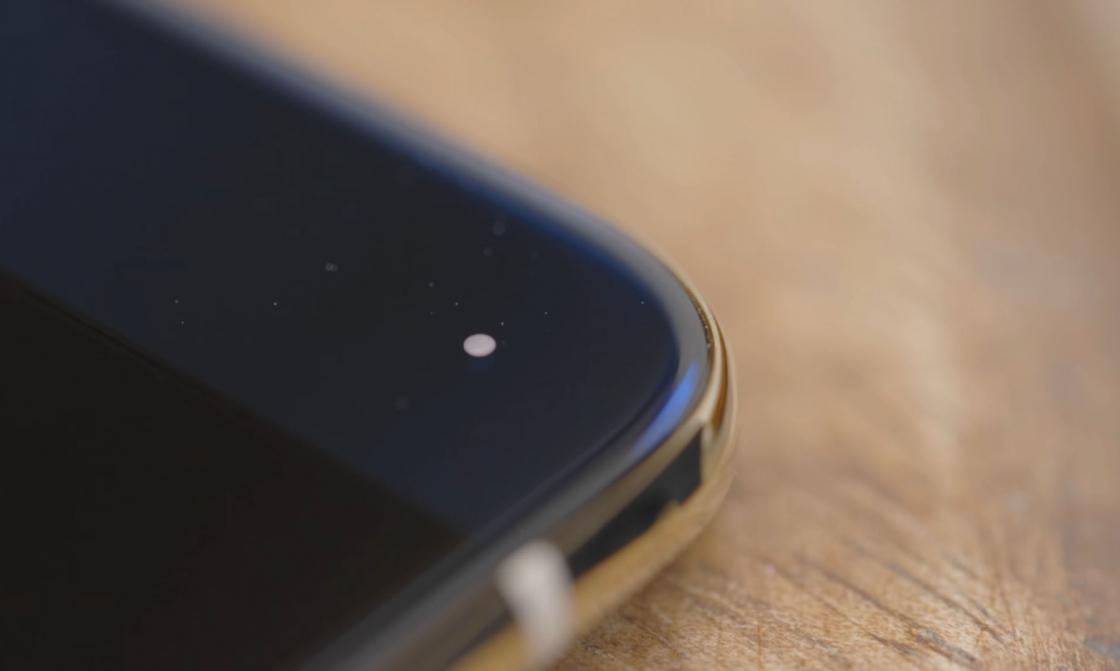 Обзор Xiaomi Mi 6 - LED-индикатор
